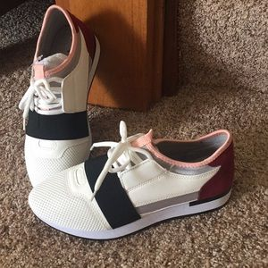 Brand new & so cute!!! Says size 39